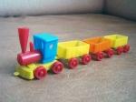 Trenulet din plexic , fabricat in Anii '80