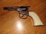Pistol revolver de jucarie