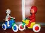 Triciclisti din Plastic